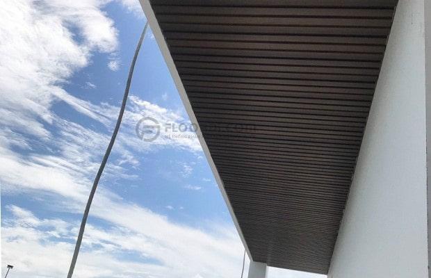 Lựa chọn sàn ngoài trời đáp ứng tiêu chí 100% khả năng chịu nước mang lại độ bề lâu dài.