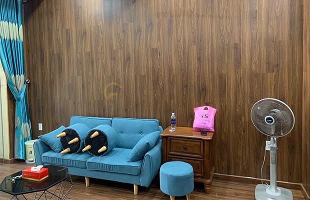 D2300 ốp tường mang lại vẻ đẹp truyền thống và thanh lịch cho không gian sử dụng