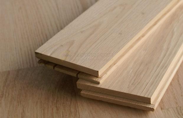 Sàn gỗ Sồi đỏ có độ cứng và bền hơn so với White Oak