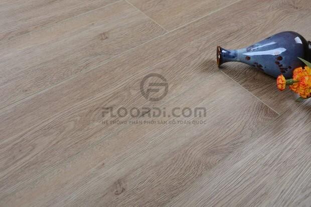 Khả năng kháng nước tuyệt đối, bề mặt vân gỗ chân thực