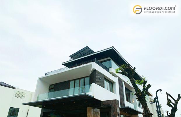 Lam gỗ nhựa được sử dụng để trang trí mặt tiền nhà