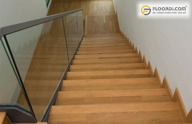 Gỗ ốp cầu thang là gì