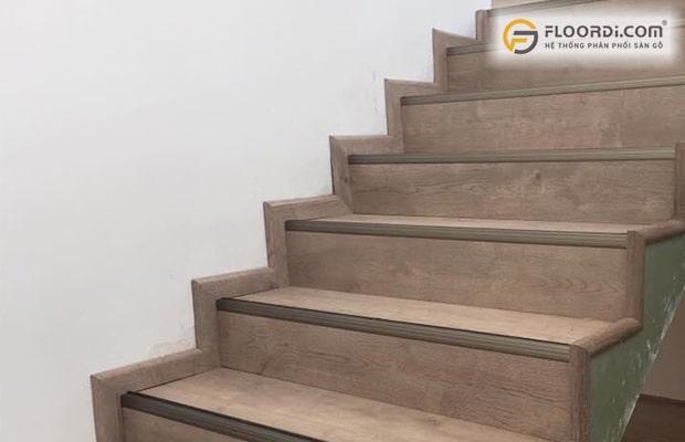 Phào chân tường