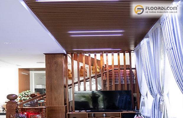 Biến căn nhà thông thường trở nên sang trọng bằng việc ốp trần gỗ