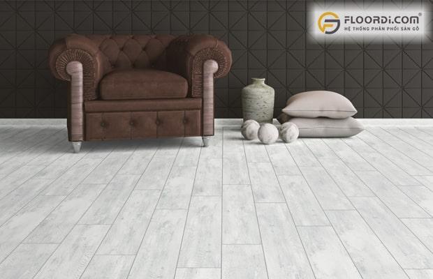 So sánh sàn gỗ và sàn nhựa