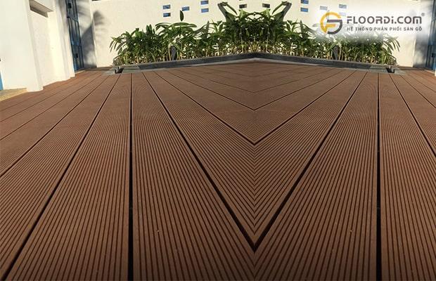 Nên chọn sàn gỗ nào cho ban công chung cư