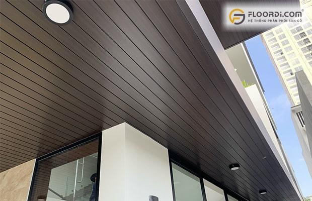 Ốp tường/ trần bằng làm nhựa gỗ đem lại giá trị thẩm mỹ cao