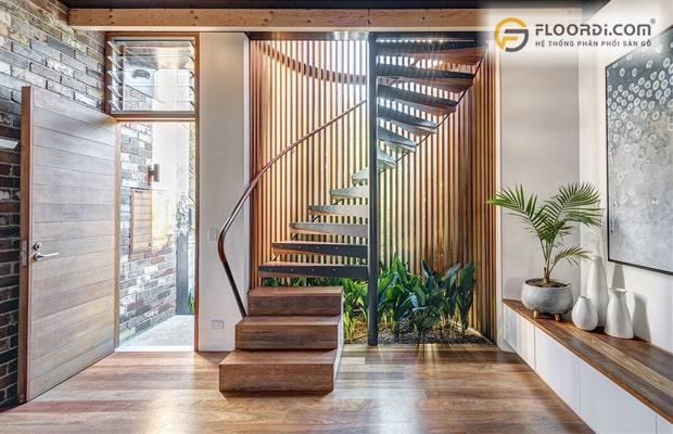 Mặt bậc cầu thang bằng gỗ tự nhiên
