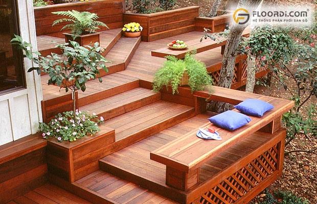 Có nên lát gỗ cho khu vực sân vườn không