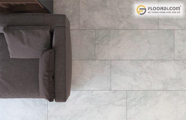 Bề mặt sàn vân đá cho khả năng chống trầy xước rất cao
