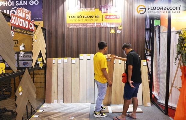 Ván sàn thanh lý được bán với giá khuyến mãi từ nhà phân phối