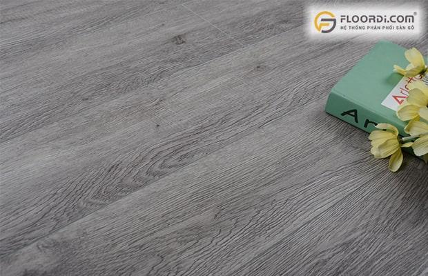Bề mặt ván nhựa PVC cho độ đàn hồi ổn định tạo sự êm ái khi di chuyển