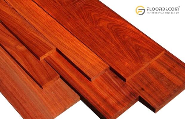 Kiểu vân của loại gỗ Hương có màu đỏ đặc trưng khá bắt mắt