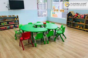 Lưu ý khi chọn sàn gỗ cho gia đình có trẻ nhỏ