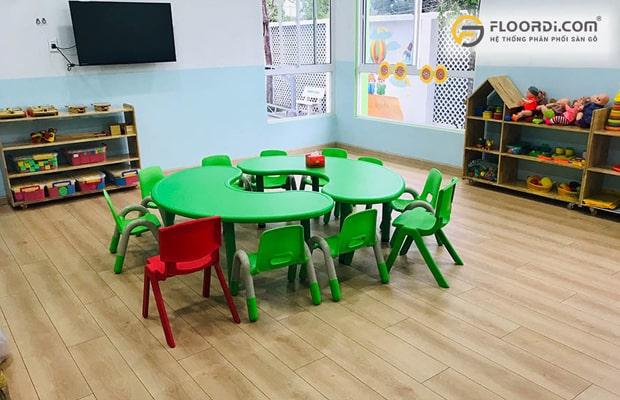 Sàn gỗ đảm bảo chuẩn chất lượng sẽ bảo vệ sức khỏe toàn diện giúp các bé phát triển an toàn