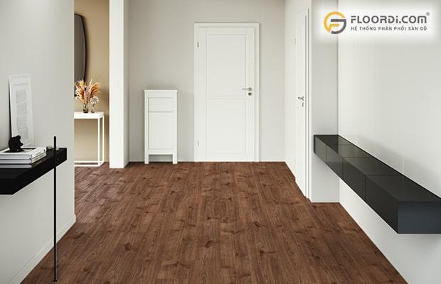 Nên chọn thương hiệu ván sàn có khả năng chống nước tốt cho khu vực hay tiếp xúc với độ ẩm