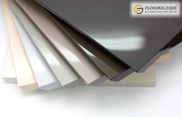 Bề mặt Acrylic được giới kiến trúc đặc biệt ưa chuộng bởi nó dễ gia công, bền và nhẹ