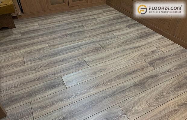 Nên chọn loại ván sàn làm từ cốt gỗ HDF phủ bề mặt Laminate