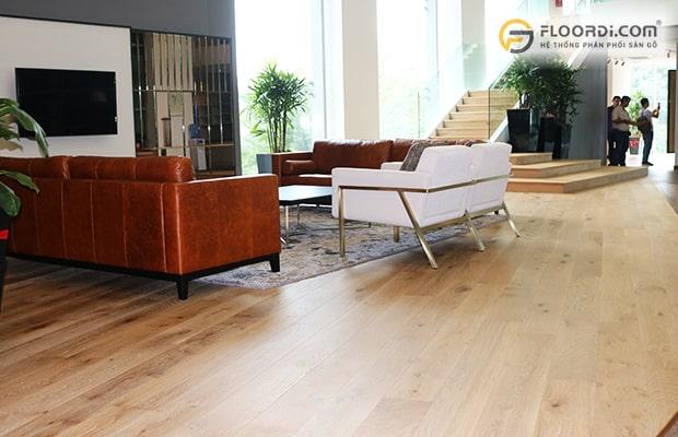 Lắp sàn kỹ thuật Engineered sẽ giúp giảm chi phí mà không sợ hư hỏng bởi biến đổi thời tiết
